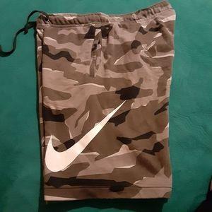 Nike men sweat shorts
